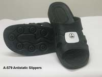Anti-Static Comfort Slippers with soft, profiled sole. Material: SPU, Surface resitivity : 10e6 to10e8.  SIZES: 40, 41,42, 43,44